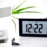 Настольные часы Travel Desk Alarm Clock с курпным дисплеем