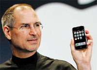 Steve Jobs presents iPhone