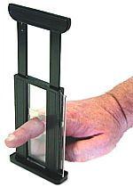 Мужчина отрубил себе палец, чтобы удобней было тыкать в iPhone