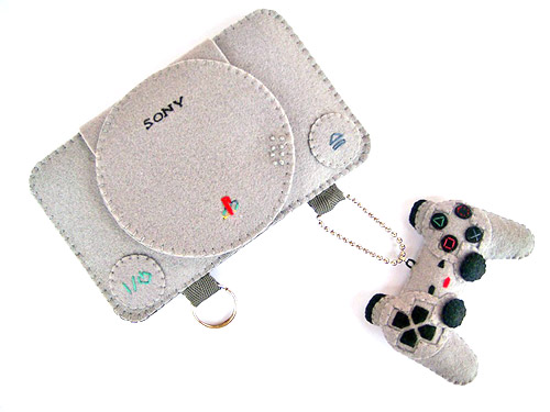iPhone Playstation case