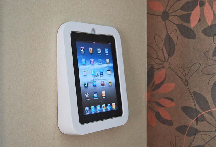 Еще одна вариация iPad`а на стене