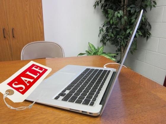 MacBook Air стал хитом продаж в «Черную пятницу»
