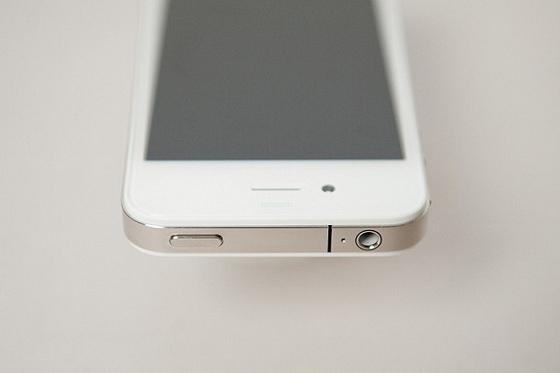Белый iPhone 4 выйдет весной 2011 года