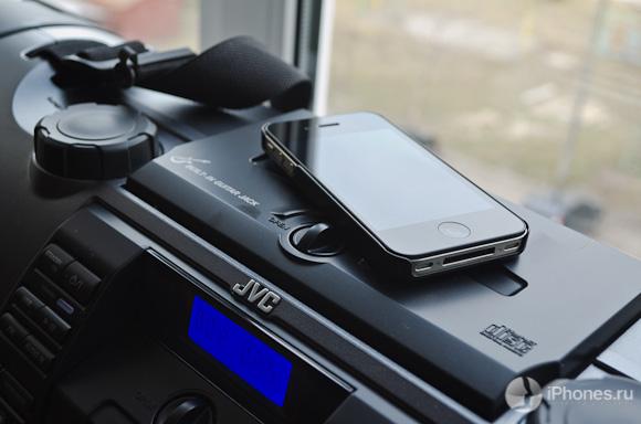 Обзор JVC RV-NB70 Kaboom: большой звук в маленьком бумбоксе и iPhone вместо кассеты