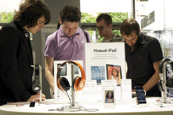 Репортаж со старта продаж нового iPad в Украине
