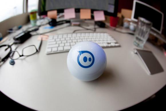 Обзор робоигрушки Sphero: гоняем шары с помощью iPhone