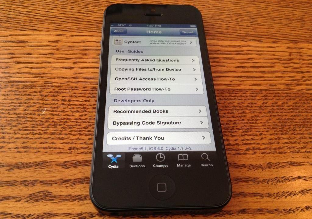 Первый джейлбрейкнутый iPhone 5