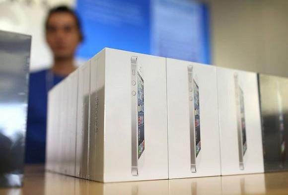 Официальные цены на iPhone 5 в России