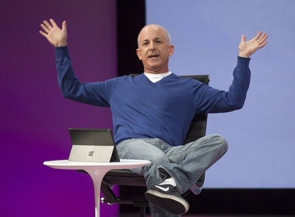 Бывший вице-президент Microsoft вовсю тестирует iPhone
