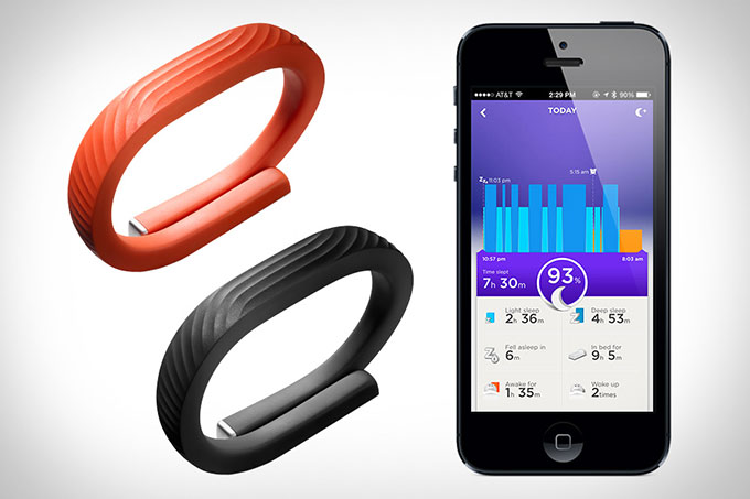 http://www.iphones.ru/wp-content/uploads/2013/11/01-1-Jawbone-UP24.jpg