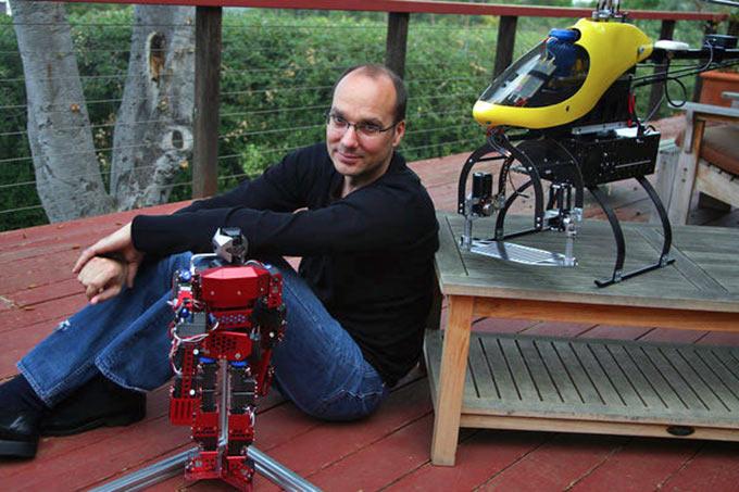 Создатель Android занялся настоящими роботами