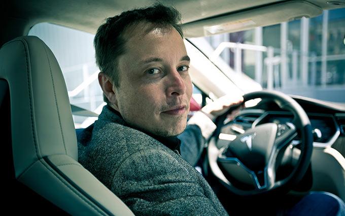 CEO Tesla подискутировал с инженером из Apple на тему современных аккумуляторов
