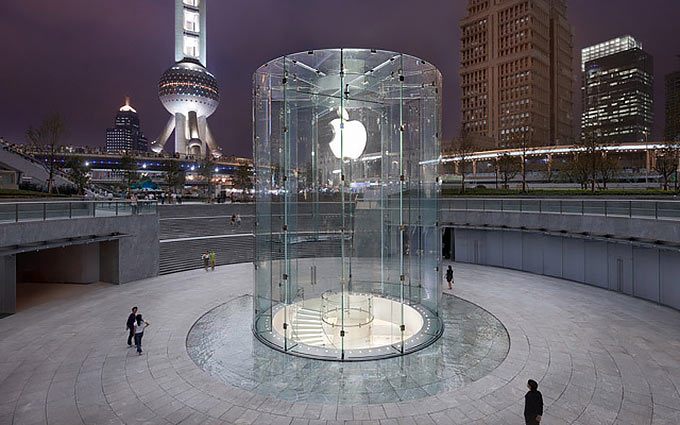 01-2-Apple-Glass-Store