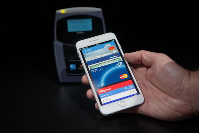 01-Apple-Pay-Strike