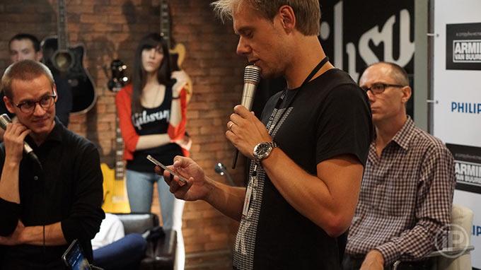17-Armin-Press-Conference