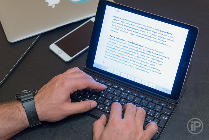 01-Logitech-Ultrathin-Keyboard-Cover