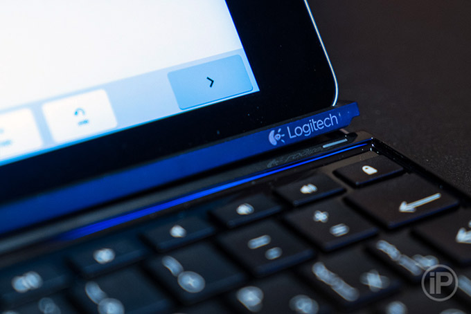 12-Logitech-Ultrathin-Keyboard-Cover