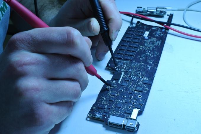 Как в Киеве быстро отремонтировать MacBook или почему китайские зарядки – зло