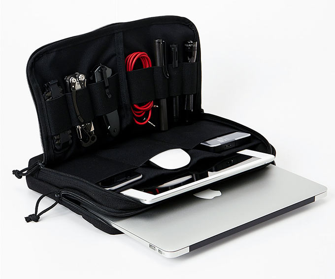01-1-Cargo-Works-MacBook-EDC-Kit