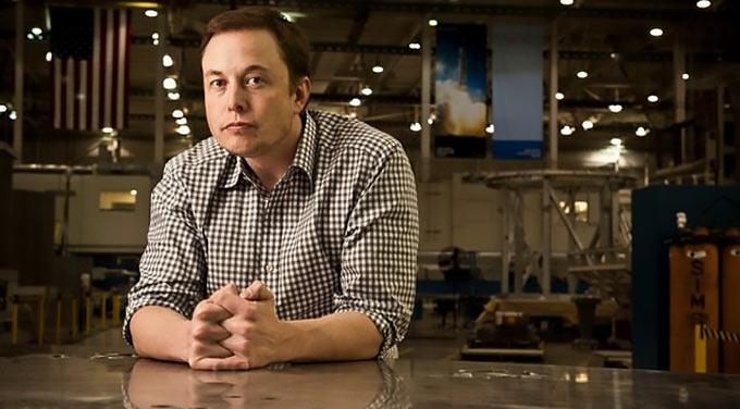 01-3-Elon-Musk-Sitting