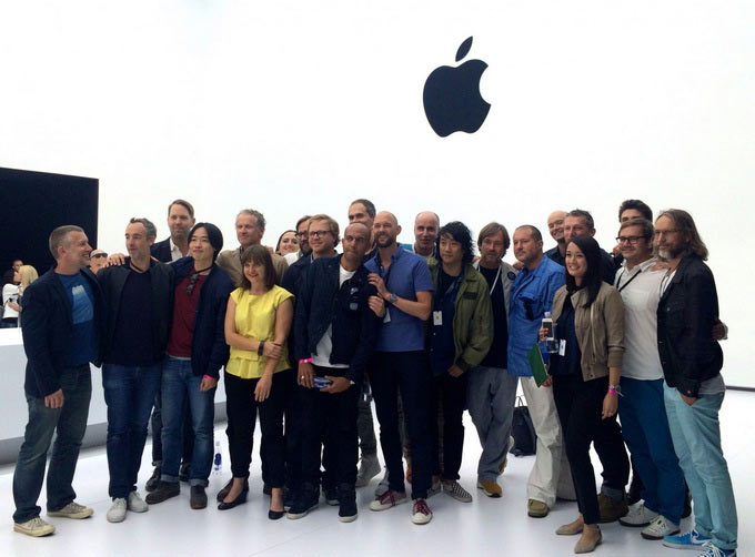 03-2-Ive-and-Team-Apple-Soul