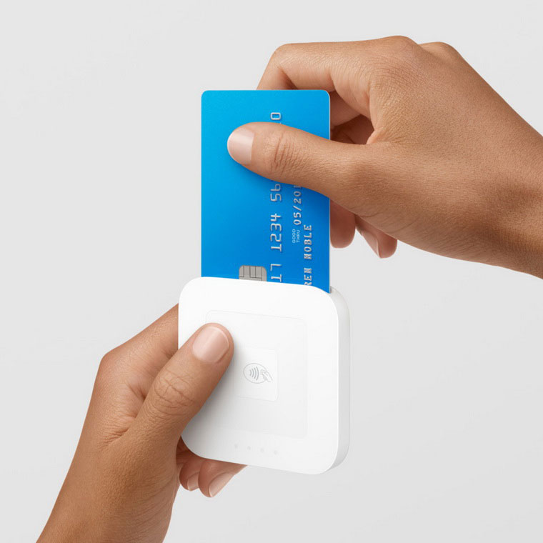 02-Square-Apple-Pay-Reader-Feature