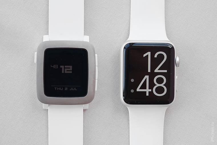 front-apple-watch-vs-pebble-time