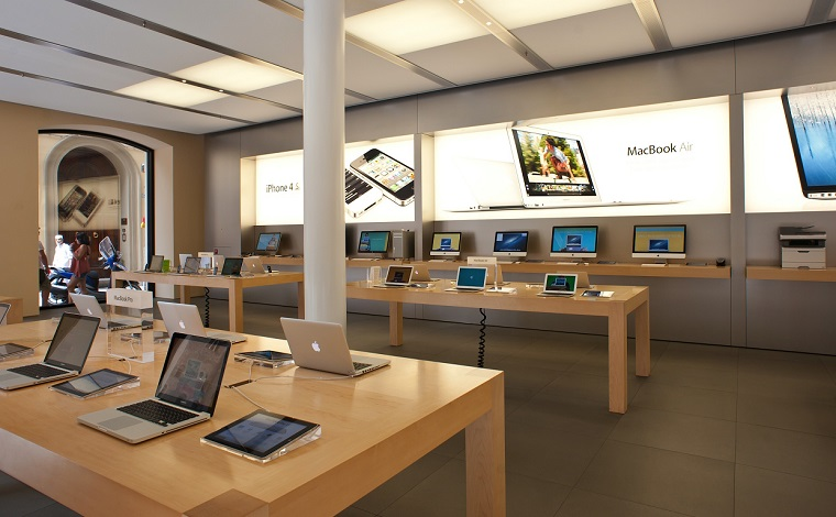 video and news: Price lists are replaced at the Apple Store