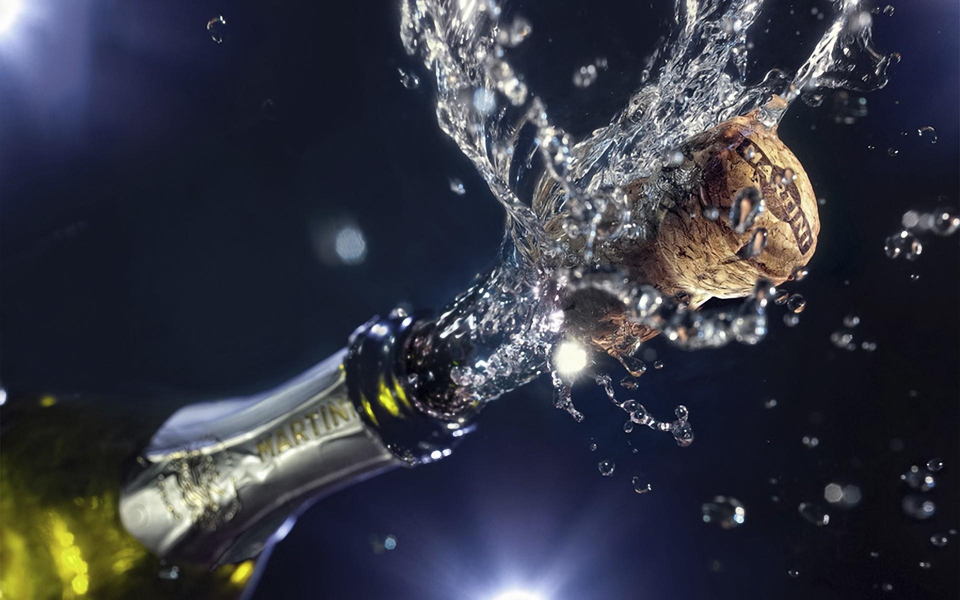 Как открыть шампанское с помощью iPhone