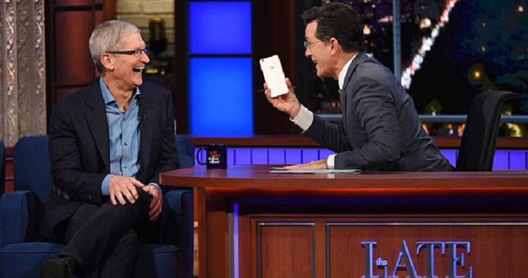 Tim_Cook_Late_Show_2