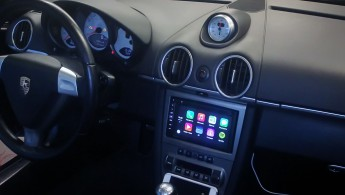 01-1-Porsche-CarPlay