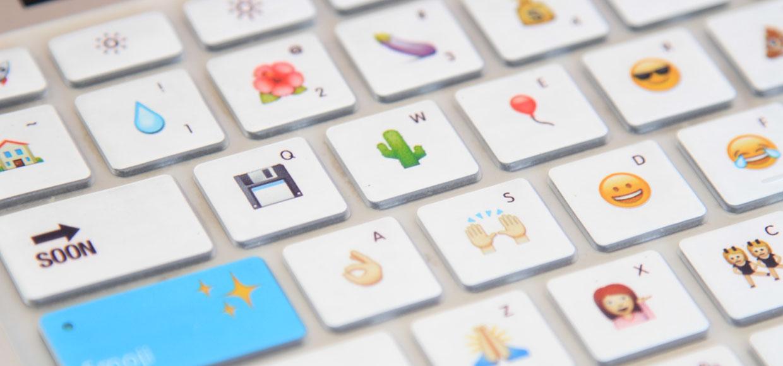 Смайл Emoji стал словом года