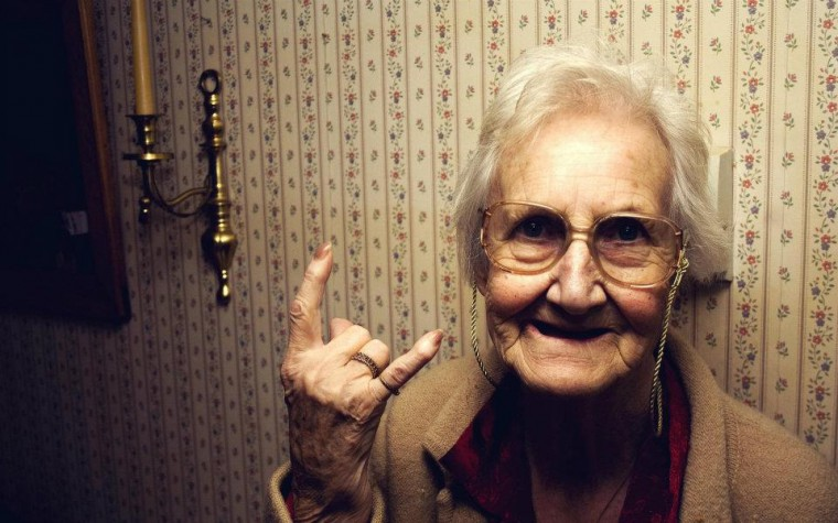 grandma-old-lady-rock-rock-on-funny-cool-unique-favim-com-460891