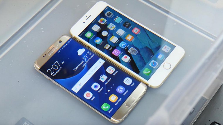 Samsung_VS_iPhone_under_water