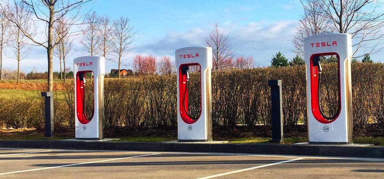В России открылась первая зарядная станция Tesla Supercharge
