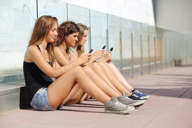 Смотреть порно групповуха с телефона