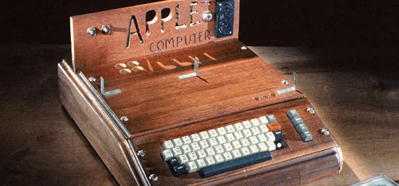 Первый компьютер Apple продали за $815 000