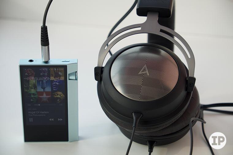 astell-kern-ak70-headphones-2