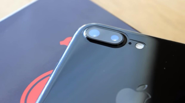 iPhone 7 «черный оникс» царапается? Найдено решение