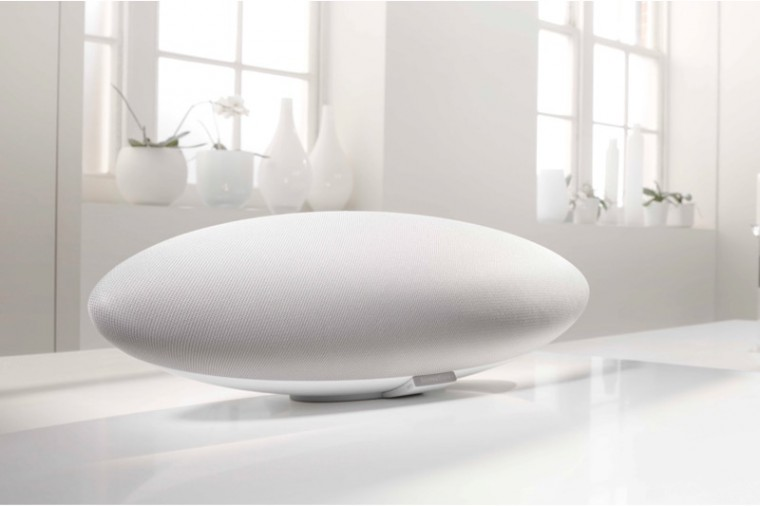 bowers-wilkins-zeppelin-white