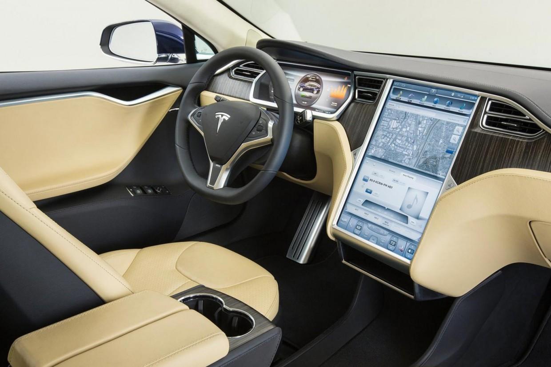 Как угнать Tesla с помощью смартфона