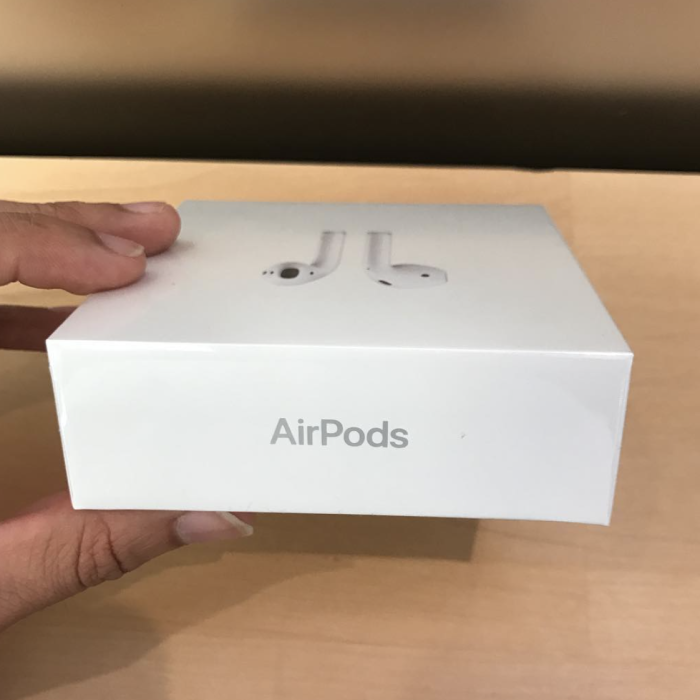 airpods-retail