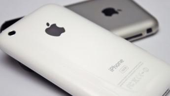 IPhone_and_iPhone_3G_(Yutaka_Tsutano)
