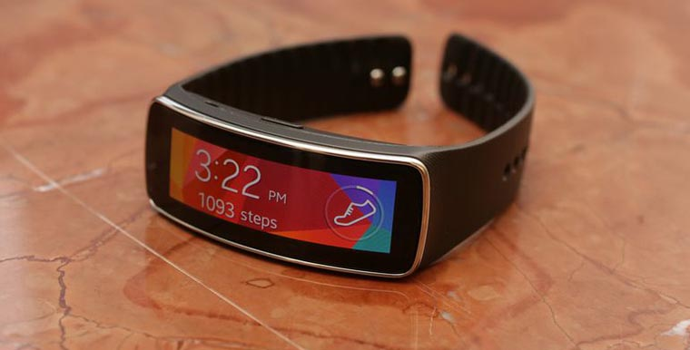 samsung-galaxy-gear-fit-product-photos-01