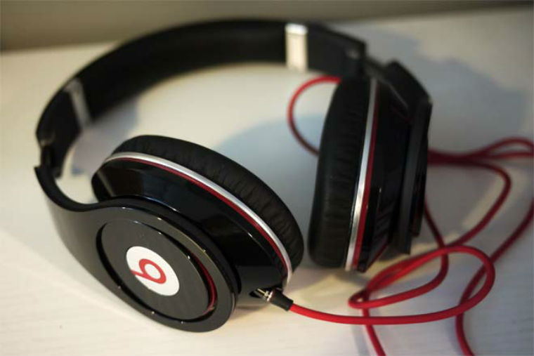 Beats-by-Dr-Dre-Studio-Black-3