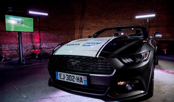 МегаФон и Nokia представили прокатное авто будущего на базе Ford Mustang 2016