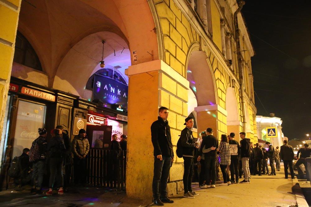 Провел ночь на Думской улице в Петербурге и выжил