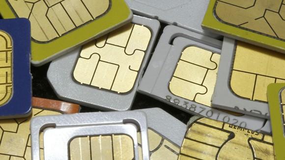 Власти ужесточили контроль за SIM-картами (Путин подписал закон)