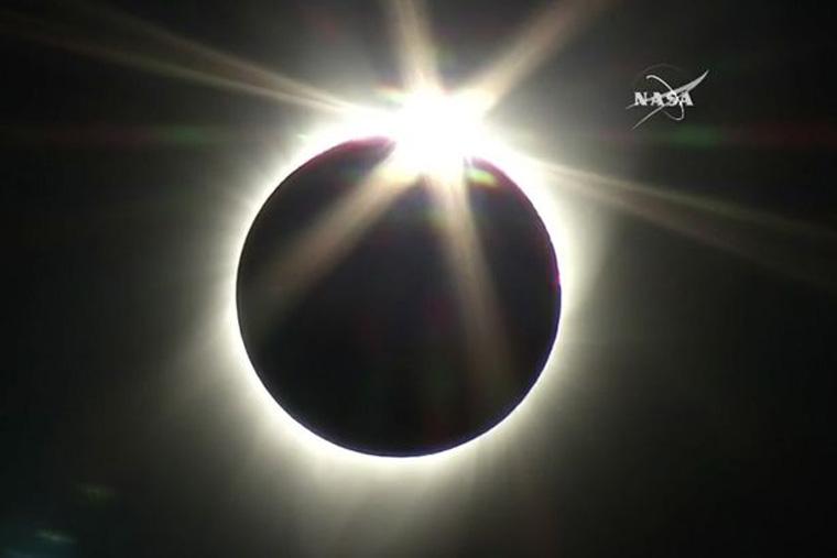 Лучшие фотографии солнечного затмения в США