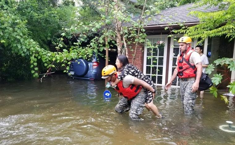 Siri спасла жизнь девочки во время наводнения при урагане Харви